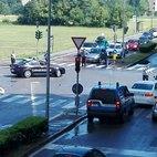 Carabinieri e Polizia bloccano il traffico nelle vie adiacenti