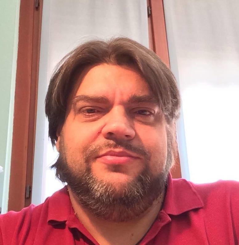 Mauro Tossi (47 anni)