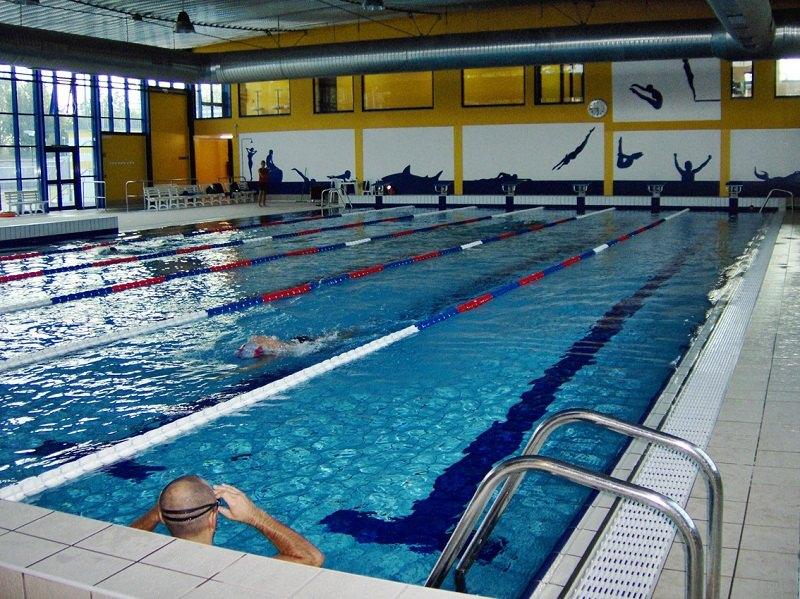Segrate i genitori si lamentano del freddo della piscina for Piani del padiglione della piscina