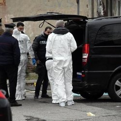 I carabinieri sul luogo del macabro ritrovamento