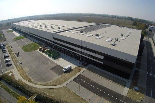 Il nuovo hub logistico di Yoox Net-A-Porter