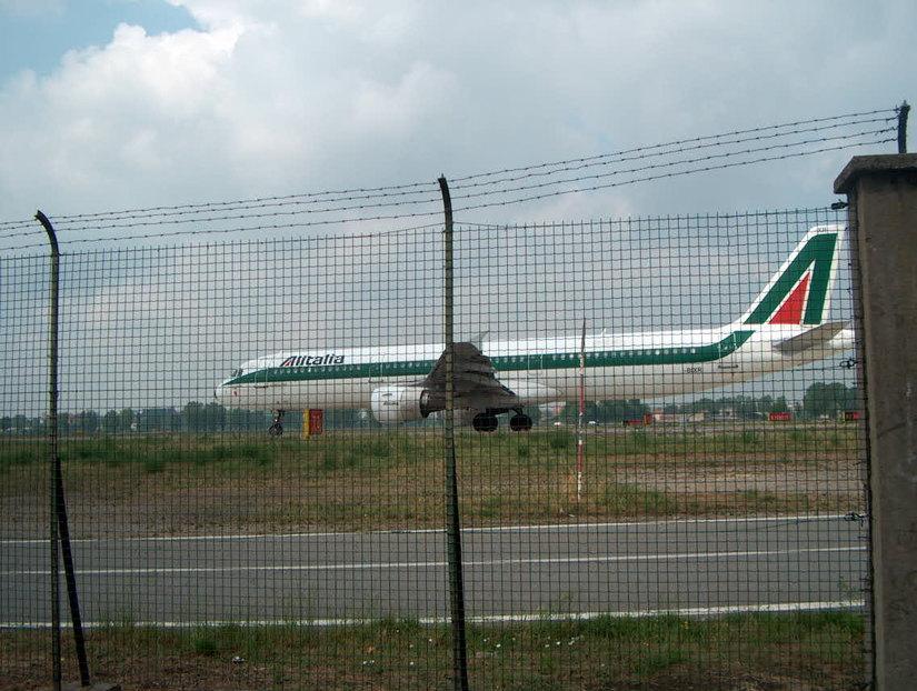Linate, inaugurato da un Airbus Alitalia il rinnovato aeroporto
