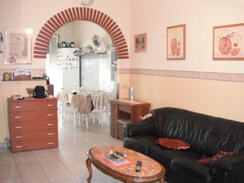 Peregallo immobili arosio immobiliare lesmo for Arco in mattoni a vista