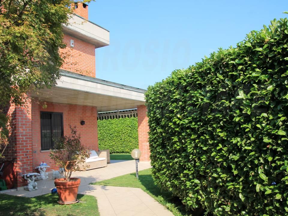 Villa in affitto a Provincia di Monza e della Brianza - Trovit