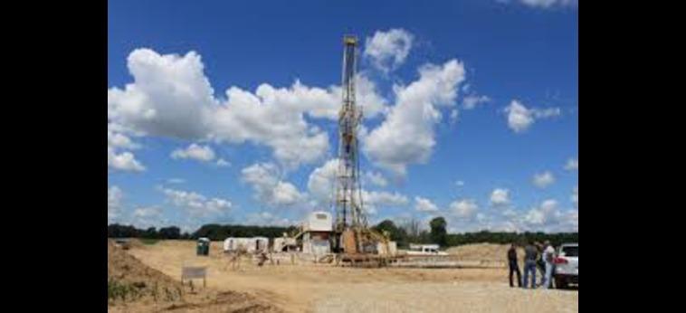 Gli accordi per limitare l'estrazione di greggio si estendono ad altri Paesi