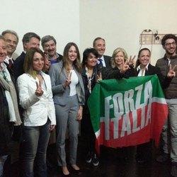 I candidati al consiglio comunale con Carla Bruschi e Giulio Gallera