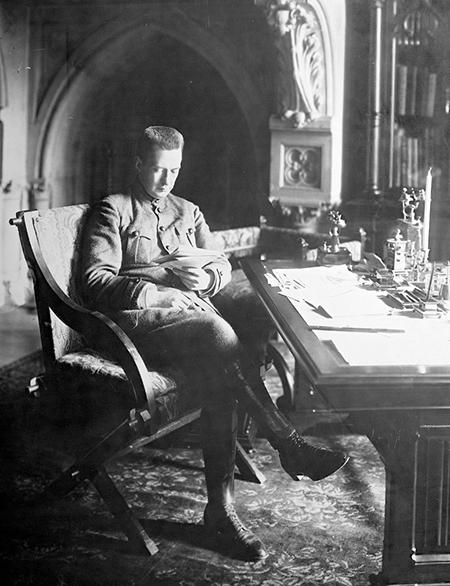 Aleksandr Fëdorovi? Kerenskij nel 1917.
