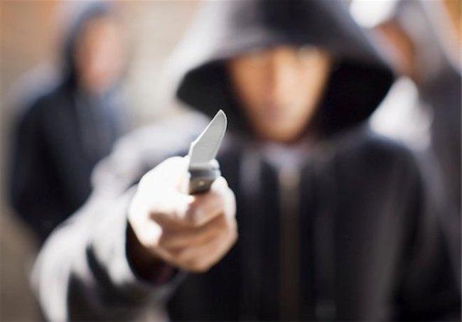 San donato: rapinatori cacciati da un ristorante a colpi di sgabello