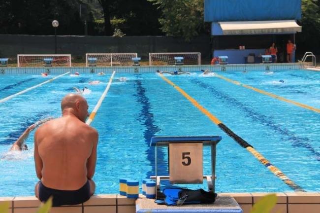 Vasca Da Nuoto : San donato con l arrivo dell estate la stagione del nuoto all