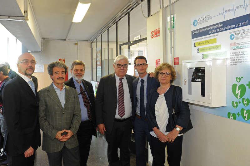 Il professor Ludovico Santoro, Marco Piolini, Marcello Valentini, Marcello Garzia, il figlio e la moglie di Giovanni Carnaghi.